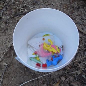 Geocaching bucket