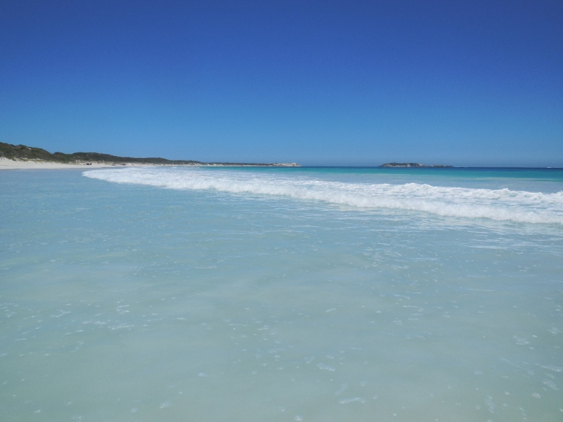 Hamelin Bay via bobs track.JPG