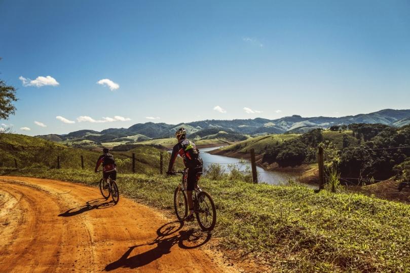 cyclists-trail-bike-clouds-163407 (1024x682)